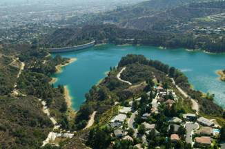Lake Hollywood and jogging trails
